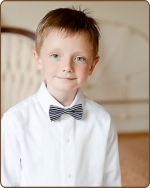 Boy Bow tie - Navy w/ Thin White Stripes
