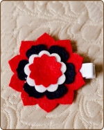 Felt Clippie - Red/Navy/White Flower