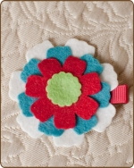 Felt Clippie - White/Turquoise/Red Flower