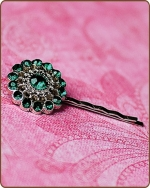Chloe Bobby Pin in Kelly Green