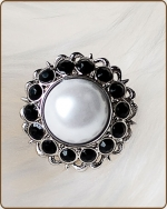 Amelia Filigree Ring in Black