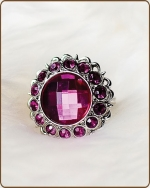 Kayli Filigree Ring in Fuchsia
