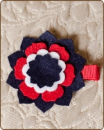 Felt Clippie - Navy/Red/White Flower