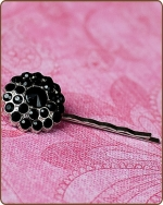 Naomi Bobby Pin in Black